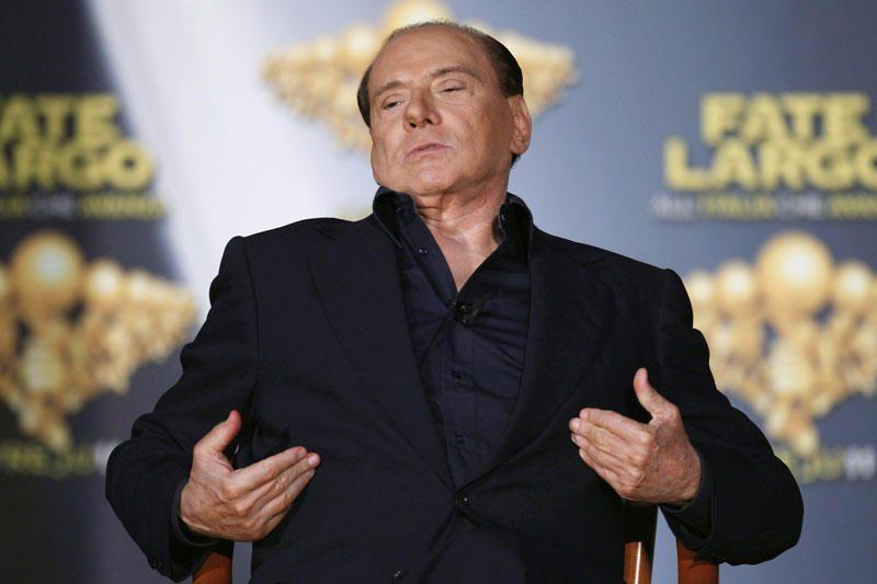 Berlusconi pasitraukimas bus smūgis jo šeimos verslui