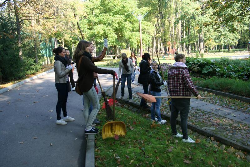 Turizmo dieną studentai praleido leopardo narve