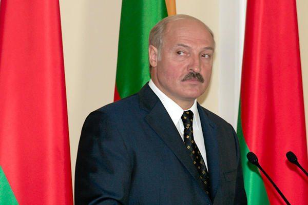 """A.Lukašenka grasina Lietuvai dėl """"pliušinio desanto"""""""