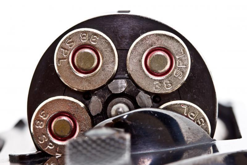 Prie prekybos centro iš klaipėdiečio nugvelbtas revolveris