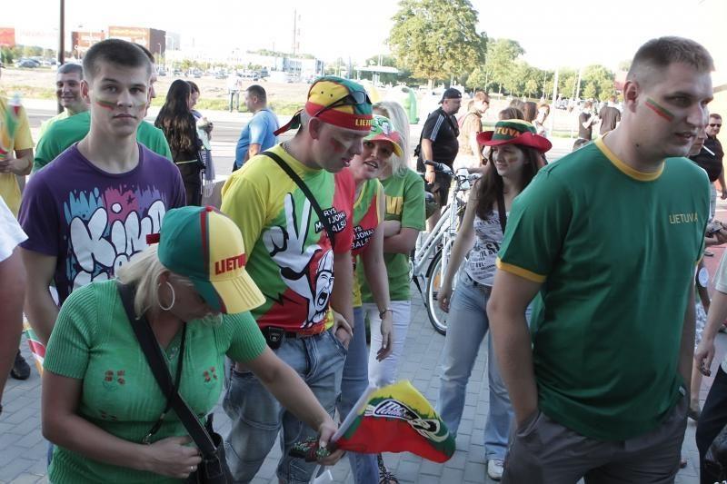 Į Klaipėdos areną plūdo minios žmonių