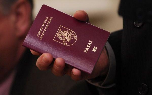 Pataisos dėl dvigubos pilietybės galbūt prieštarauja Konstitucijai