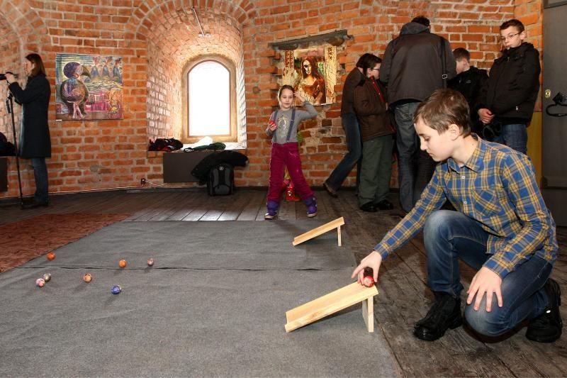 Kauno pilyje – margučių ridenimo varžybos