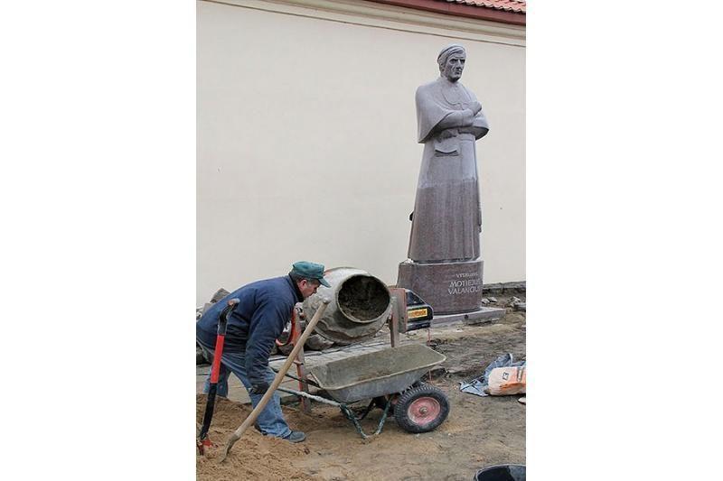 Prie M. Valančiaus paminklo bus iškaltas vyskupo laiško fragmentas