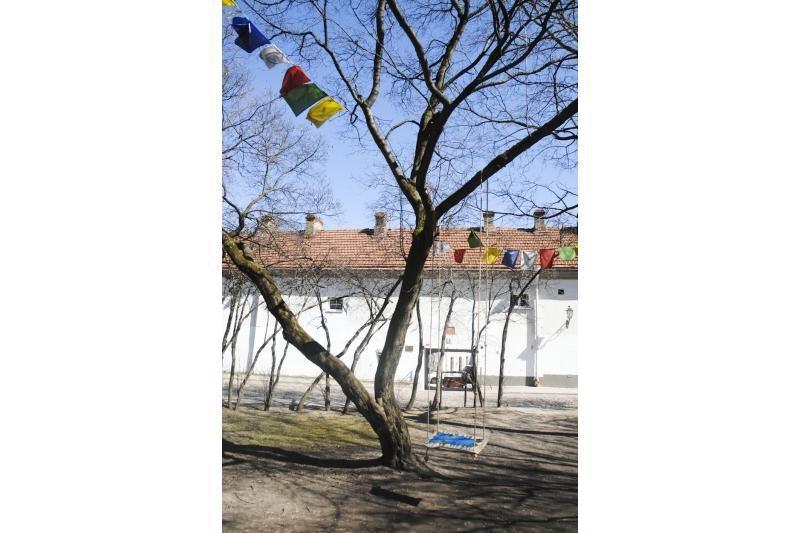 Tibeto skverelyje – sūpuoklės polėkio energijai kurti