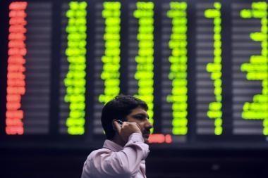 Biržoje akcijų kainos toliau šuoliavo aukštyn