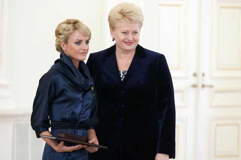 Ž. Balčiūnaitė grąžino valstybės apdovanojimą