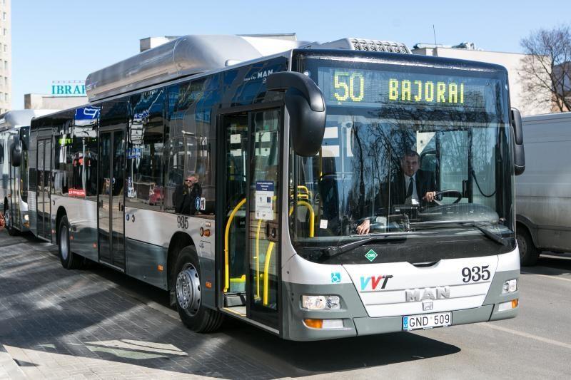 Pirmadienį į sostinės gatves išriedės ir nuomoti autobusai