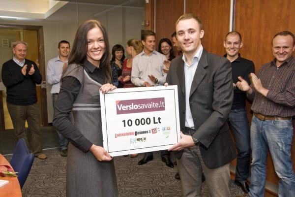 """Apdovanota """"Biuro gražuolė 2010"""""""