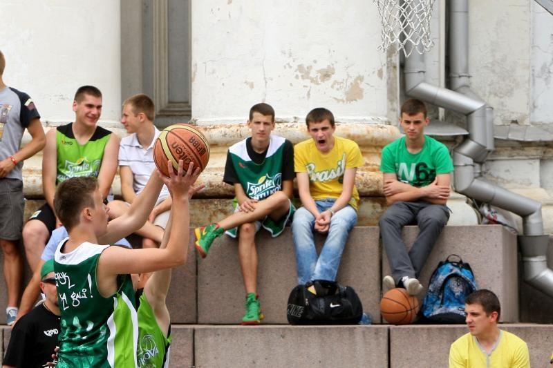 Kaune grūmėsi būsimos krepšinio žvaigždės