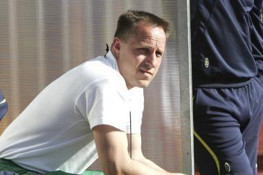 Futbolo federacija skalbia rinktinės trenerio R.Žutauto mundurą