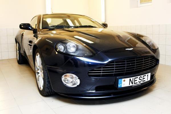 """""""Aston Martin"""" atšaukia automobilius"""