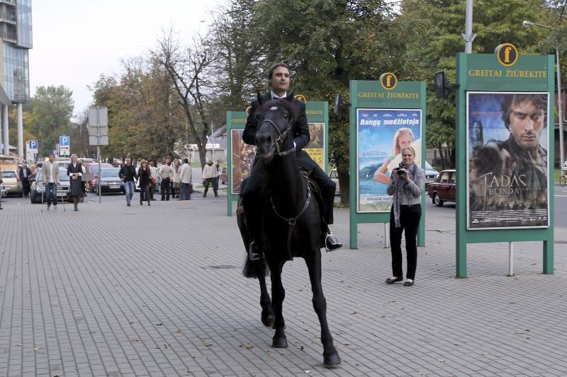 Į filmo premjerą M.Jankavičius atjojo ant žirgo