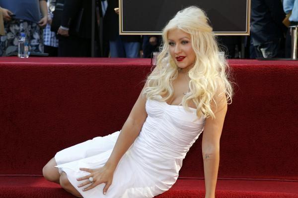 Holivudo Šlovės alėjoje atidengta dainininkės Ch.Aguileros žvaigždė