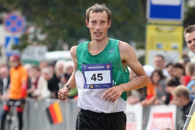 T.Venckūnas vėl tapo vienos valandos šalies bėgimo čempionu
