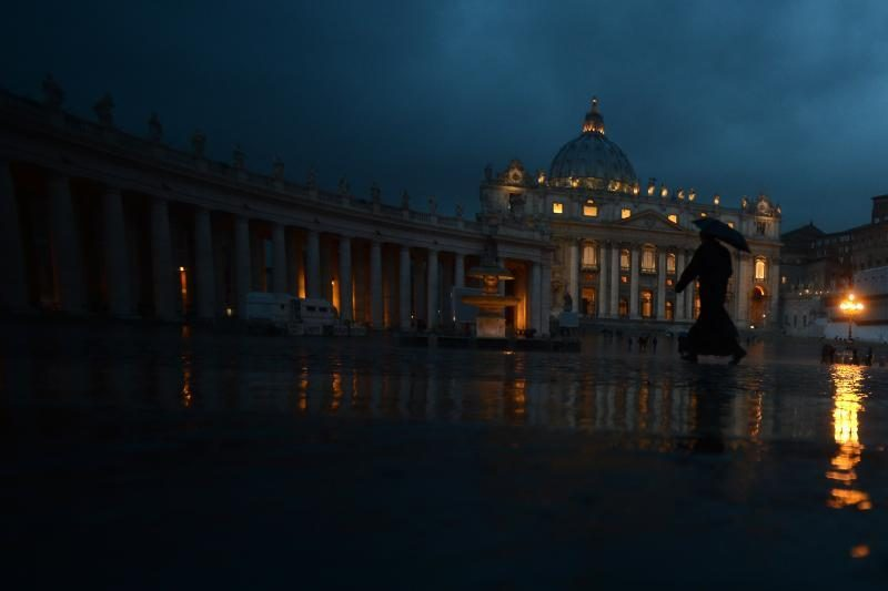 Italijos vyskupas suimtas atliekant tyrimą dėl Vatikano banko veiklos