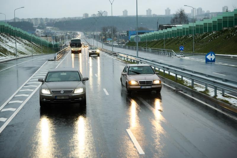 Ministerijos nesutaria, ar skirti keliams 65 proc. degalų akcizo