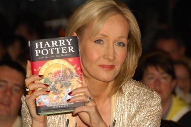 Rašytoją J.K.Rowling žurnalų redaktoriai pripažino įtakingiausia moterimi Britanijoje