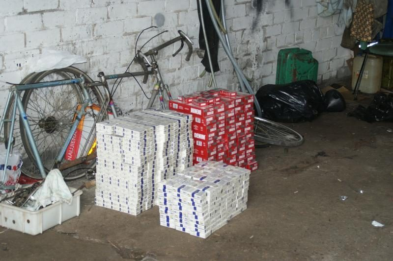 Klaipėdoje muitininkai demaskavo kontrabandininkų sandėlį
