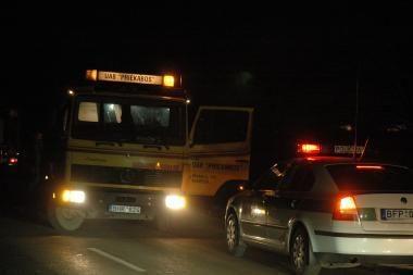 Neblaivus vairuotojas rėžėsi į stovinčią mašiną