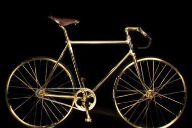 Britas nusipirko auksinį dviratį
