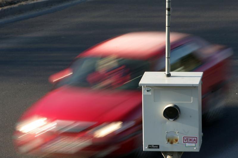 Greitį 109 km/val. viršijęs jaunuolis neteko teisės vairuoti