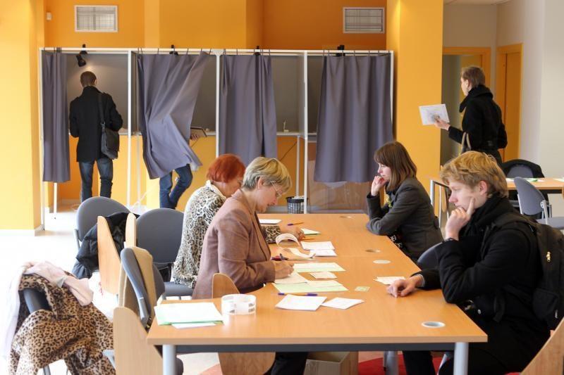 VRK: antrame rinkimų ture kol kas neužfiksuota šiurkščių pažeidimų
