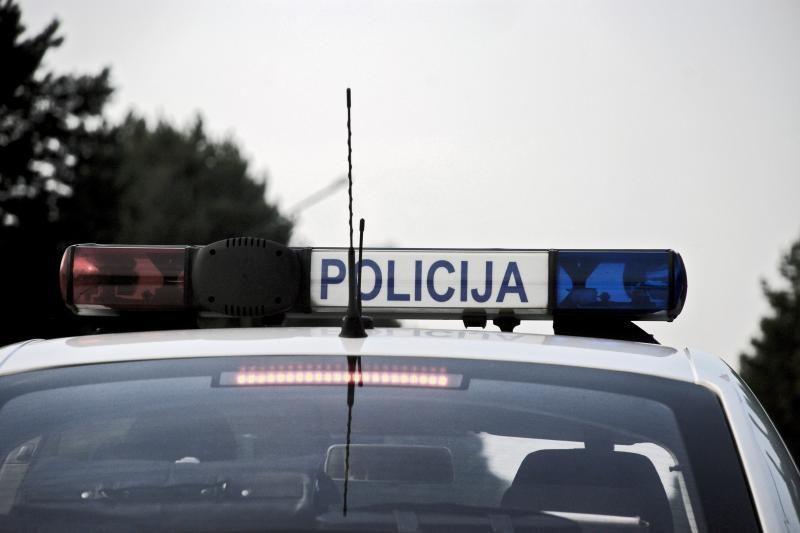 Šilutėje kontrabandos vežėjas spruko nuo policijos
