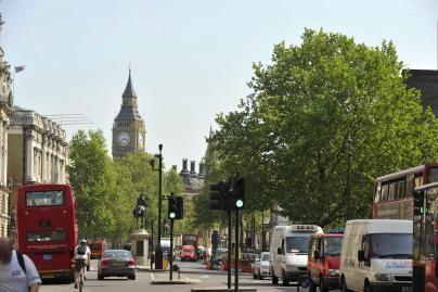 Britanijos valdžia ketina griežtinti studentiškų vizų išdavimą