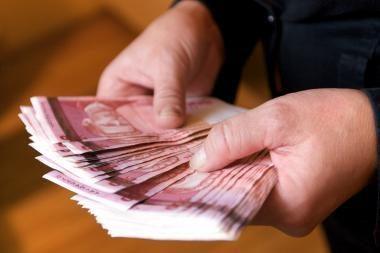 Klaipėdos medikams - atlyginimai vokeliuose