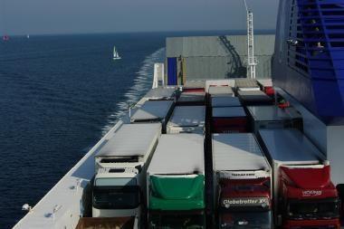Lietuvos eksportas šiemet padidėjo 27,9 proc., importas - 27,3 proc.