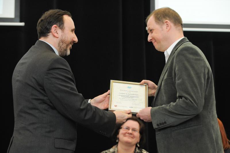 Vilniaus knygų mugėje apdovanoti geriausių kūrinių autoriai
