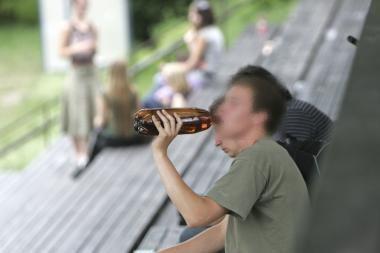 Kaune vagys šlavė tabako ir alkoholio prekes