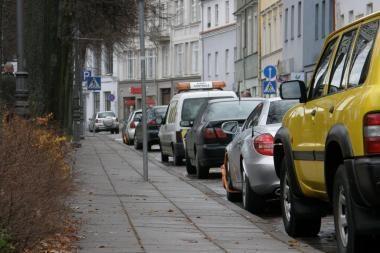 Mėlynojoje automobilių statymo zonoje jau renkamos baudos