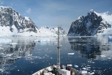 Antarktidoje sudužus Prancūzijos sraigtasparniui žuvo keturi prancūzai