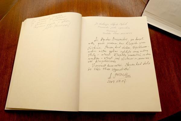 Klaipėdos savivaldybėje – užuojautos knyga Prezidentui (papildyta)