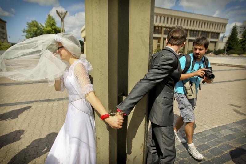 Žmogaus teisių aktyvistai: šalin rankas nuo šeimos