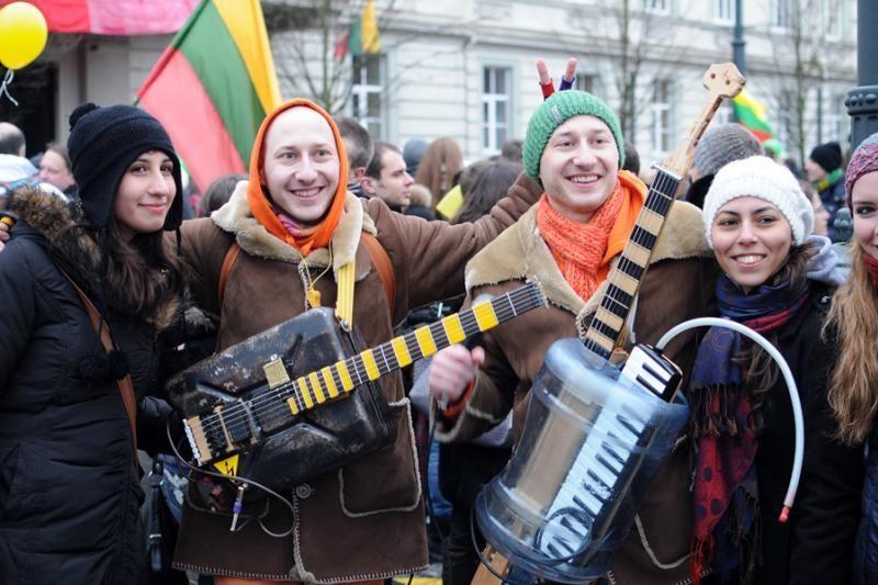 Politikai ir menininkai drauge šventė Nepriklausomybės dieną
