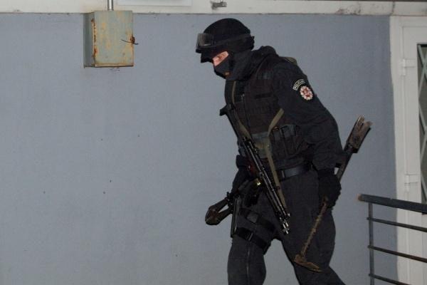 """Į patrulius iššovęs girtas vilnietis po derybų pasidavė """"Aro"""" kovotojams"""
