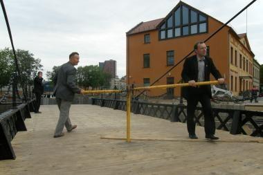 Pilies tiltelio restauravimo pabaigai trūksta N.Puteikio parašo