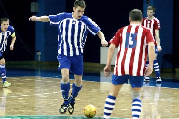 """Salės futbolas: pirmoji """"Nauticos"""" pergalė"""