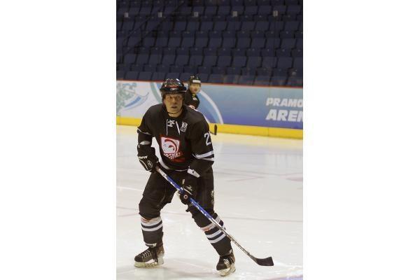 """Ledo ritulio čempionate """"Hockey punks"""" patyrė penktąjį pralaimėjimą"""