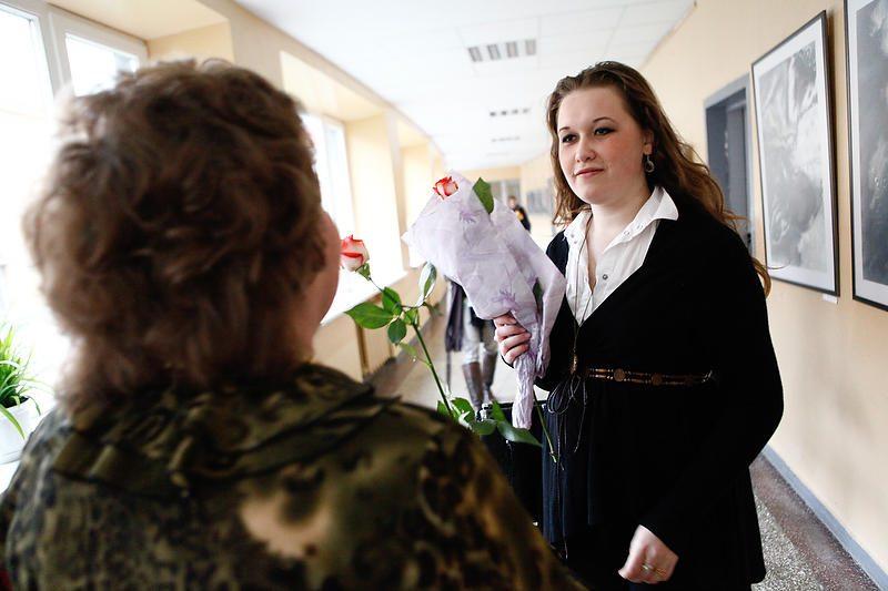 Mokytojų dieną ir glėbiai gėlių, ir ašaros