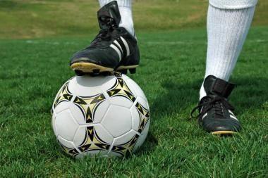 """""""Bangos"""" futbolininkai pralaimėjo pirmąsias rungtynes"""
