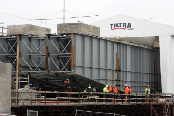 Nauja Lazdynų tilto dalis statoma skolon