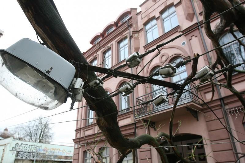 Dėl vėtros be elektros liko 4 tūkst. vartotojų