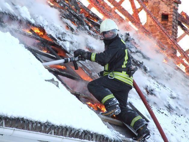 Iš degančio namo Vilniaus centre išgelbėti keturi žmonės