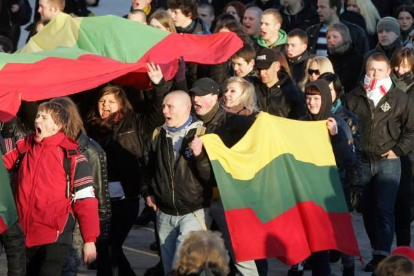 E.Zuroffas reikalauja uždrausti kovo 11-osios eitynes Vilniuje (papildyta)