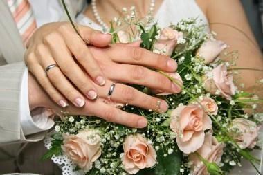Užsienyje susituokę lietuviai raginami santuoką registruoti ir Lietuvoje