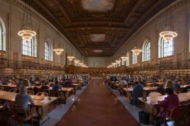 Krizė varo amerikiečius į bibliotekas
